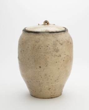 Tamba ware storage jar with matching lid
