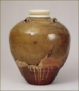 """Shouka (pine flower) is a very famous tea urn that was made in China in the 13th century and inported via Luzon. The tea ceremony founder Murata Juko recognized Shouka's beauty and the Ashikaga shognate also recongnized it and took it into the Higashiyama-gomotsu (collection of the shougnate). The Mikaduki (crescent) chatsubo and Matsushima chatsubo were also so beautiful that, together with Shouka, the three were called the """"Big Three Chatsubo"""". In particular, Mikaduki was the most popular among tea ceremony masters but it was destroyed by fire in the Honnoji Incident."""