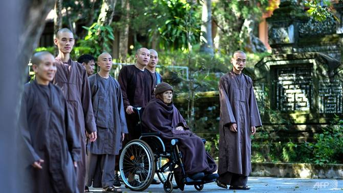 buddhist-monk-thich-nhat-hanh-is-credited-with-bringing--mindfulness--to-a-western-audience-1542689804784-2
